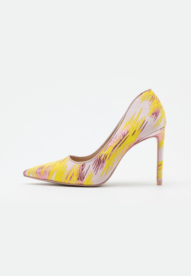 GOHO - Zapatos altos - jaune/rose