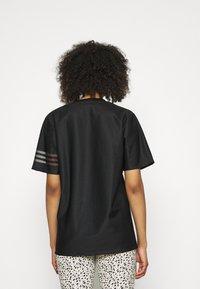 adidas Originals - Basic T-shirt - black - 2