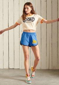 Superdry - SUPERDRY  - Shorts - neptune blue - 0