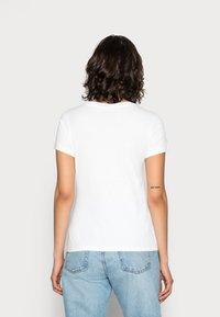 Calvin Klein Jeans - INSTITUTIONAL LOGO TEE - Camiseta estampada - bright white - 2