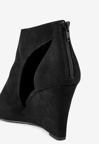 Next - FOREVER COMFORT® SQUARE TOE - High heeled ankle boots - black - 4