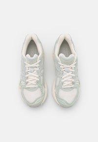 ASICS SportStyle - GEL KAYANO  - Sneakers basse - cream/lichen rock - 7