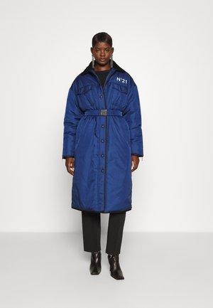 EXCLUSIVE LONG PARKA - Winter coat - blue navy