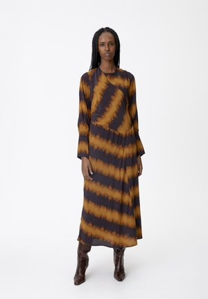 ESSAGZ  - Day dress - buckthorn brown tie dye