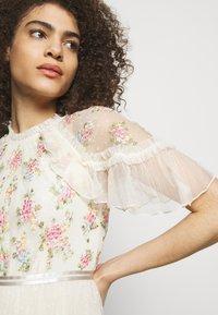 Needle & Thread - EMMA DITSY BODICE ANKLE MAXI DRESS - Společenské šaty - champagne - 3