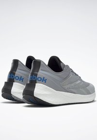 Reebok - FLOATRIDE ENERGY SYMMETROS SHOES - Stabilty running shoes - grey - 4