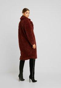 Vero Moda - VMSOPHIA  - Zimní kabát - madder brown - 2