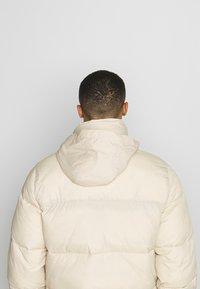 Hollister Co. - PUFFER MOCK BURG - Winter jacket - beige - 5