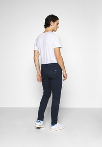 Tommy Jeans - SCANTON PANT - Chinos - twilight navy - 2