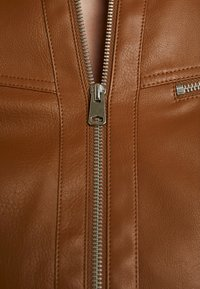Vero Moda - VMSHEENA SHORT JACKET - Faux leather jacket - cognac - 5