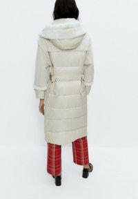 Uterqüe - Short coat - white - 2