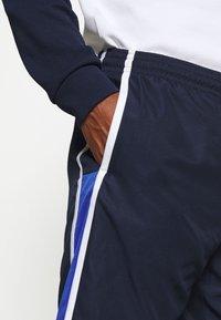 Lacoste Sport - SHORTS - Sports shorts - yav - 4