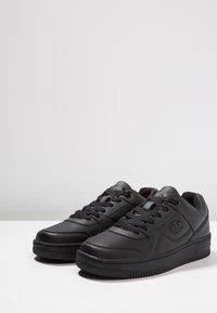 Champion - CUT SHOE REBOUND - Sneakers - black - 2