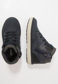 Geox - MATTIAS BOY ABX - Šněrovací kotníkové boty - navy/dark grey - 0