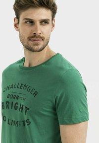 camel active - Print T-shirt - jungle green - 3