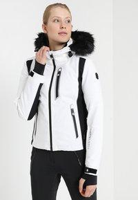 Superdry - SLEEK PISTE SKI JACKET - Ski jacket - white - 0