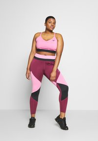 Nike Performance - ONE PLUS - Leggings - magic flamingo/villain red/game royal