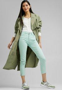 Esprit - MR CAPRI - Trousers - light aqua green - 1