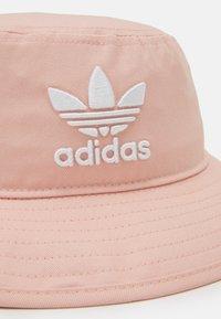 adidas Originals - BUCKET HAT UNISEX - Hat - pink - 3