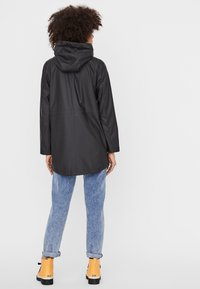 Vero Moda - VMSHADY COATED JACKET PI - Parka - black - 2
