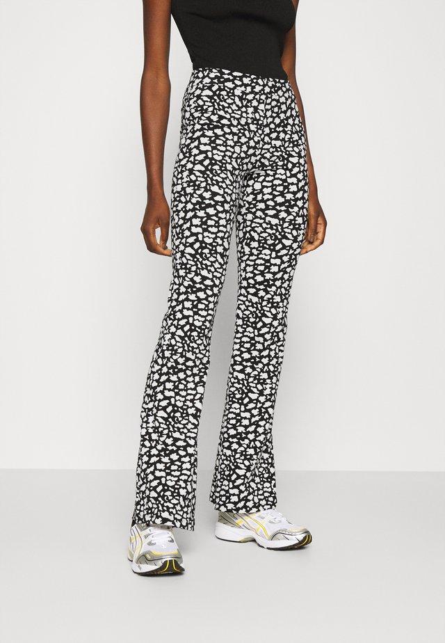 ONLLIVE LOVE FLARED PANTS - Legging - black/white