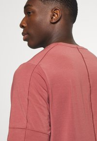 Nike Performance - DRY YOGA - Camiseta básica - claystone red/black - 3