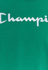 Champion - CREWNECK  - T-shirt con stampa - green - 4