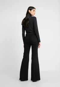 7 for all mankind - FLARE - Flared Jeans - black - 2