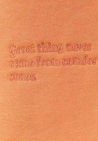 Bershka - Shorts - orange - 5