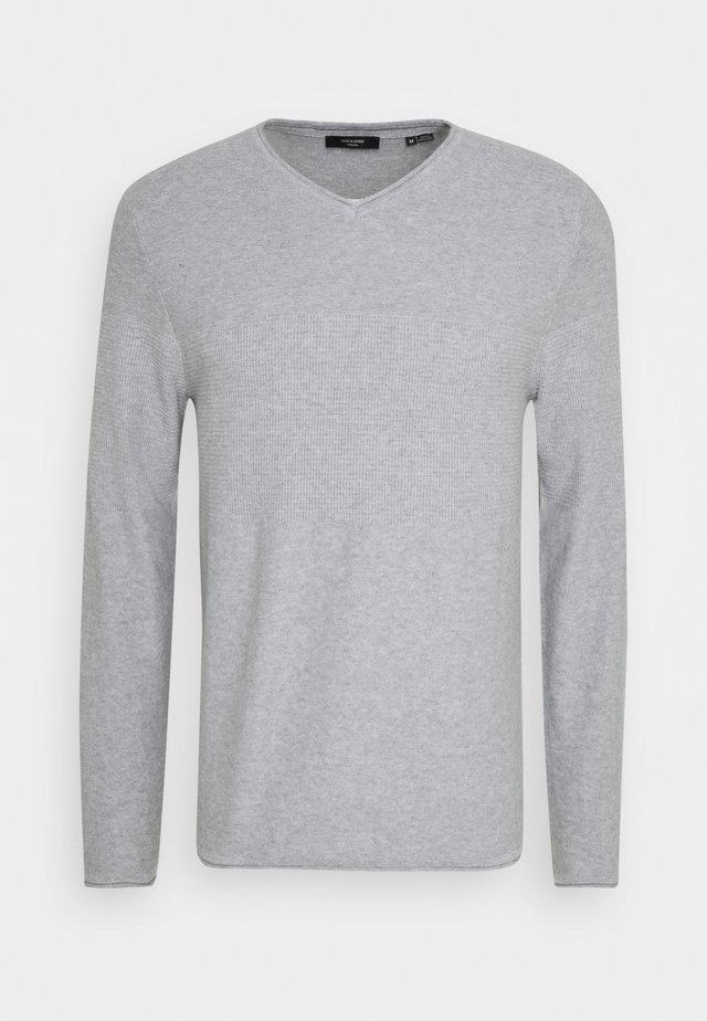 JPRBLAMAXIMUS VNECK - Jumper - cool grey melange