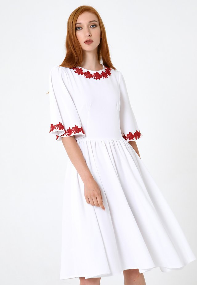 Vestito di maglina - weiß