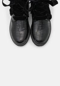 KHARISMA - Šněrovací kotníkové boty - nero - 5