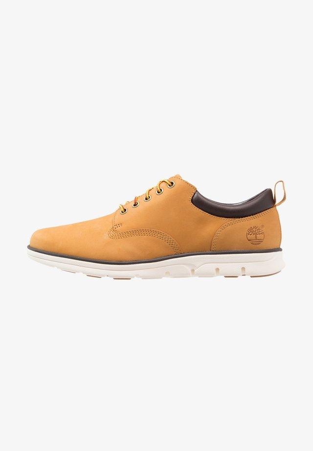 BRADSTREET 5 EYE OX - Zapatos con cordones - wheat