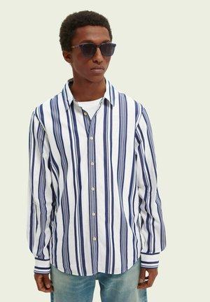 RELAXED FIT  - Skjorta - light blue