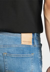 Jack & Jones - JJIGLENN JJFOX AGI  - Jeans Skinny Fit - blue denim - 4