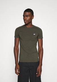 Antony Morato - SUPER SLIM FIT - Basic T-shirt - green - 0