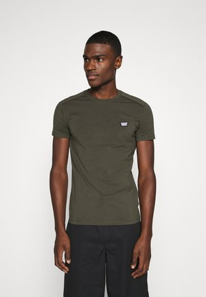 SPORT ROUND NECK COLLAR WITH PLAQUETTE ON CHEST - Basic T-shirt - green