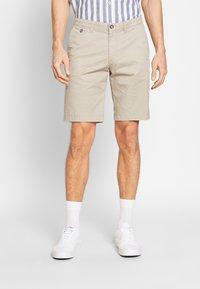 Bugatti - Shorts - sand - 0