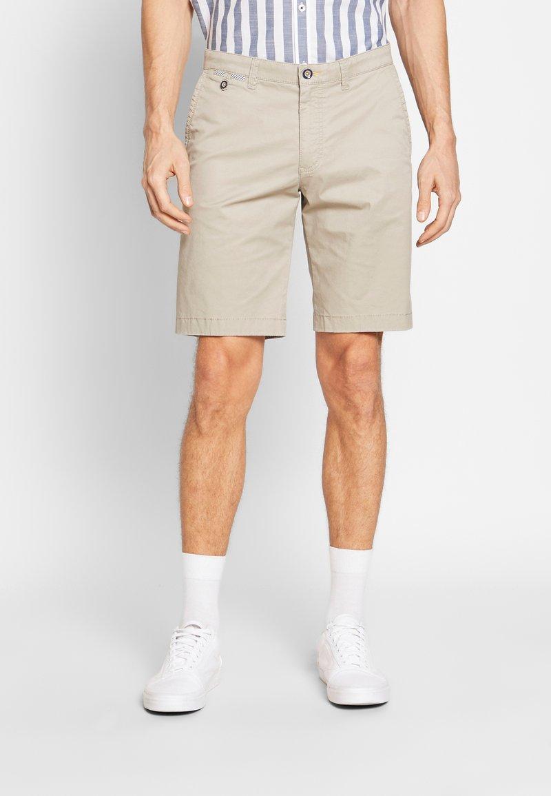 Bugatti - Shorts - sand