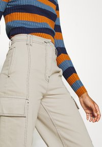 Topshop - STRAIGHT LEG SIDE POCKET TROUSERS - Trousers - stone - 4