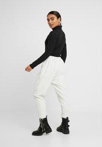 Zign Petite - Long sleeved top - black - 2
