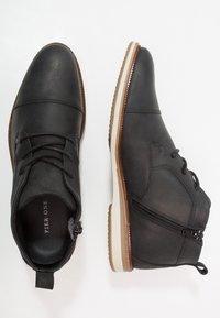 Pier One - Chaussures à lacets - black - 1