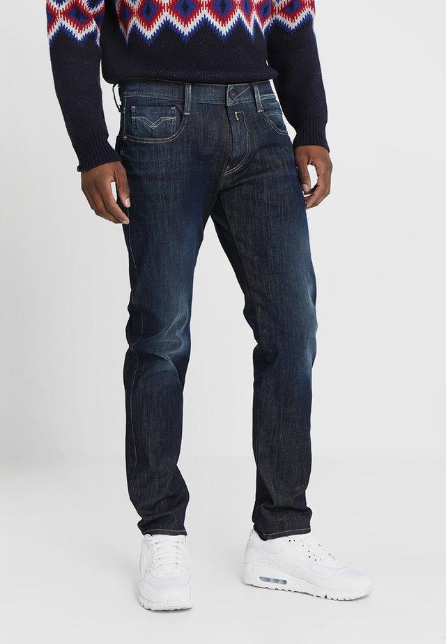 HYPERFLEX + ANBASS - Slim fit jeans - dark blue