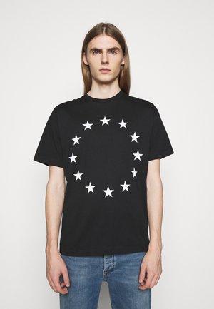 EUROPA - T-shirt con stampa - black