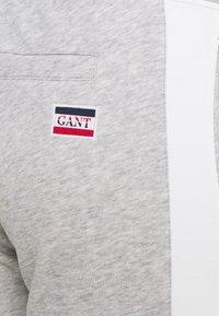 GANT - PANTS - Tracksuit bottoms - light grey melange - 2