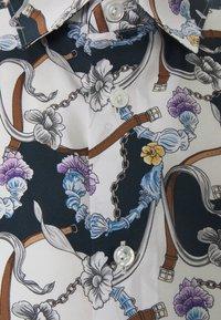 Eton - SOFT CHANDELIER - Overhemd - blue silk - 2