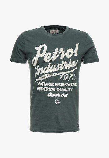 T-shirt med print - night green