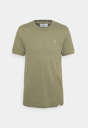 T-shirts - duffleback green