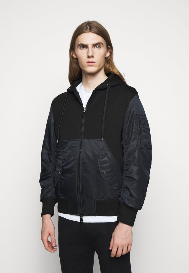 TRAVEL ZIP-UP HOODI - veste en sweat zippée - black/black