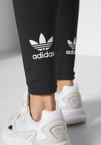adidas Originals - TIGHT - Leggings - Trousers - black - 4